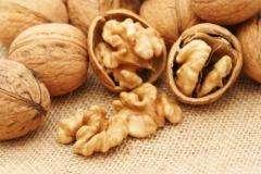 Exports walnut kernels from Ukraine